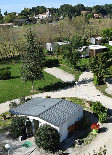 Camping Les Étangs de Plessac, camping avec étang de pêche en Dordogne et piscine couverte et chauffée près de Brantôme